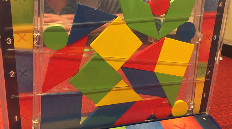 Falling shapes are fun in Drop It image